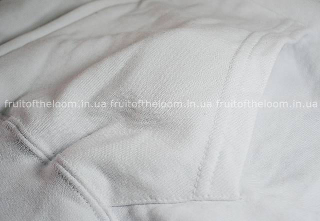 Белая мужская лёгкая толстовка с капюшоном на замке