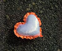 Подушка атласная сердце, рюш оранжевый