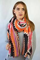 Яркий принторованный шарф