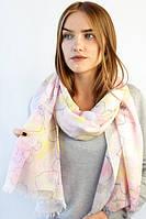 Струящийся необычный весенний шарф