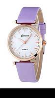 Спортивные стильные женские часы на фиолетовом браслете.