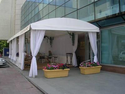 Навесы, тенты из ПВХ ткани для летних кафе и ресторанов