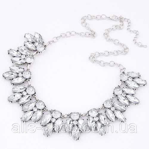 Серебряное украшение на шею с сияющими стразами