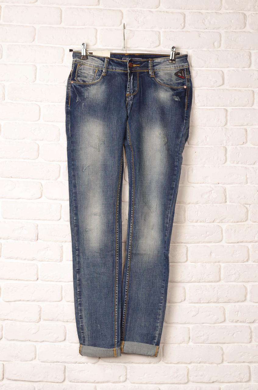 cafb89b4902 Стильные женские джинсы