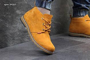Чоловічі зимові черевики Levis, на хутрі,гірчичні 45р