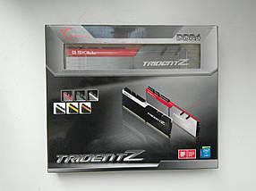 G.Skill 16 GB (2x8 GB) DDR4 4266 MHz Trident Z (F4-4266C19D-16GTZA)