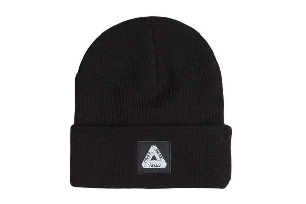 Черная шапка Palace