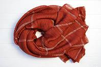 Однотонный шарф красивого оттенка