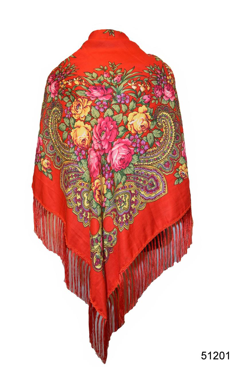 Платок с народным орнаментом красный 140*140 с бахромой
