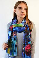 Осенний в яркий принт шарф