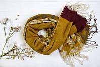 Красивый зимний шарф с абстрактным принтом