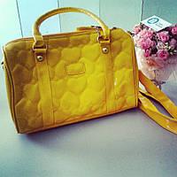 Желтая сумка с сердечками