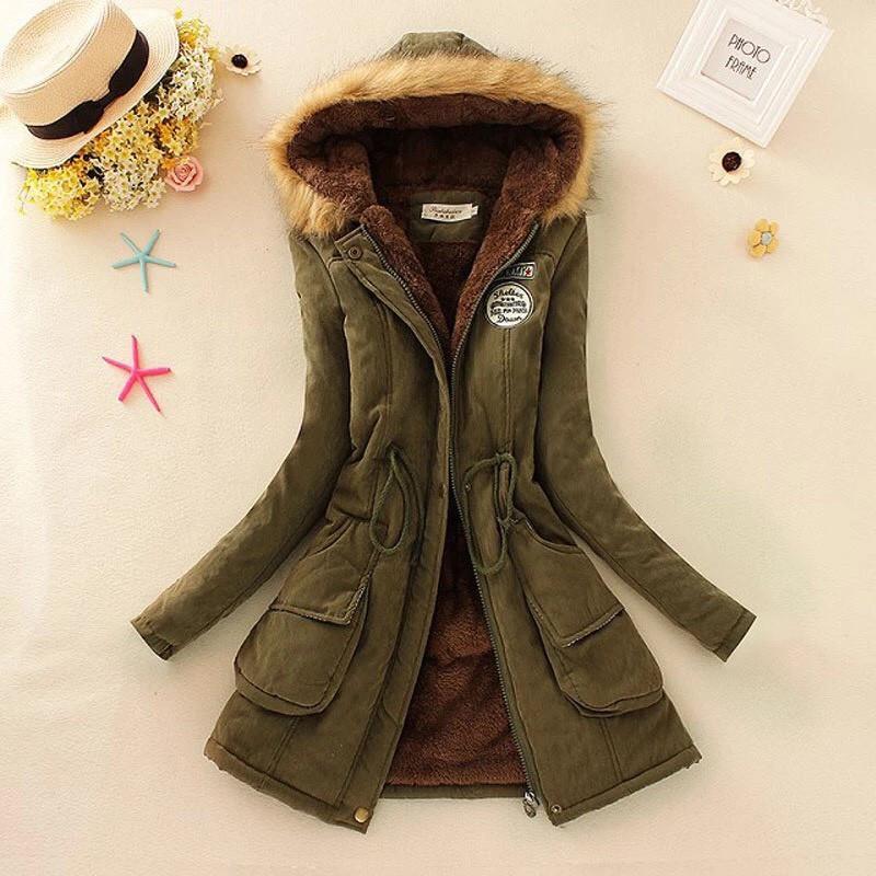 Зимняя женская куртка (парка) с капюшоном (размер xs,s)