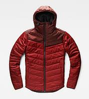 Мужская куртка из плащевки с капюшоном красная