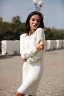Нежное белое платье машинной вязкой