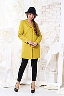 Оливковое короткое женское демисезонное пальто ил-10036