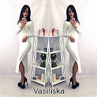 Модное длинное белое платье с привлекательной распоркой