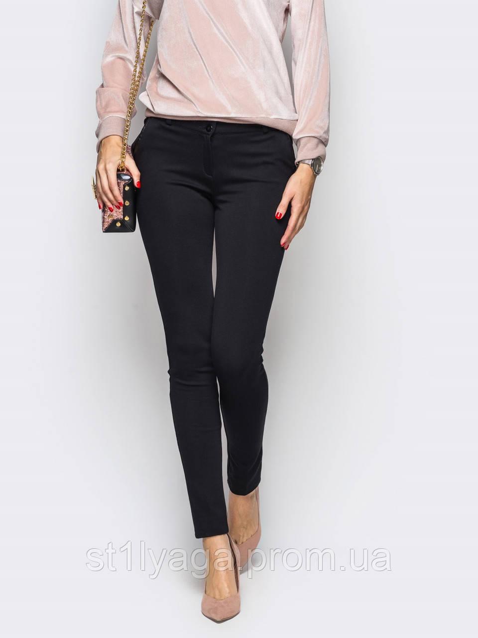 Черные брюки облегающего кроя с косыми карманами