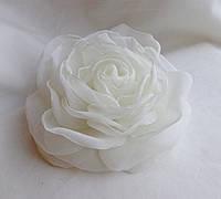 """Брошь из ткани ручной работы """"Роза молочная"""""""