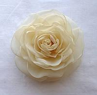 """Брошь из ткани ручной работы """"Роза Айвори"""""""