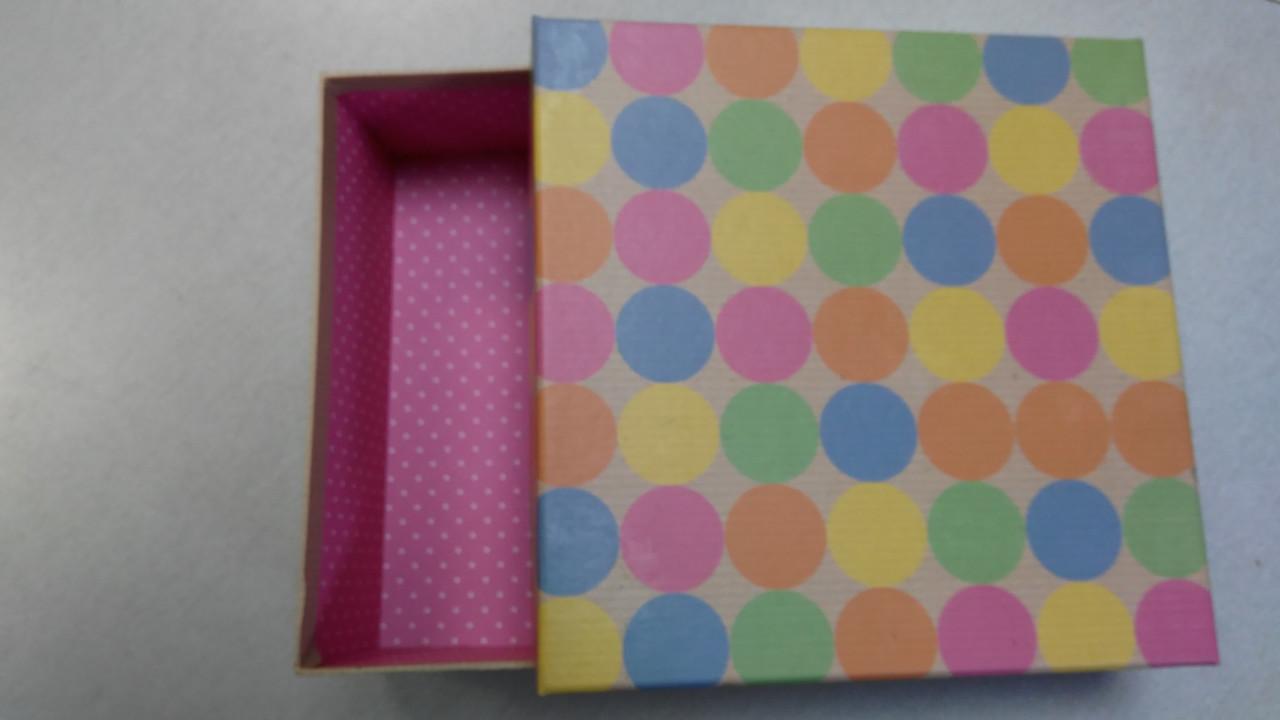 Коробка прямоугольная картонная 22x22x8cm Украина - 05527
