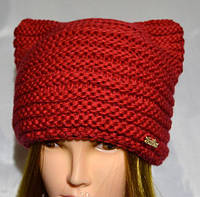 Молодежная вязанная шапка с ушками