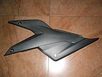 Пластик боковой левый АКБ Loncin 250-2A GP RE250