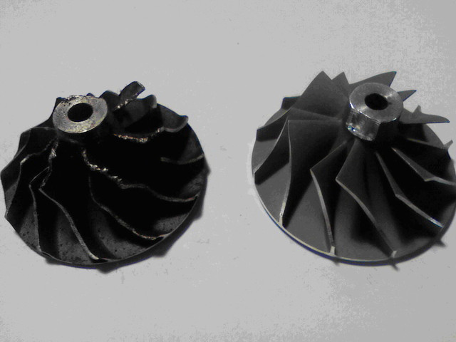 Нарушение геометрии колеса компрессора из -за внешнего механического воздействия (попадание постороннего предмета со стороны воздушного фильтра), как следствие – превышение допустимого дисбаланса ротора турбокомпрессора