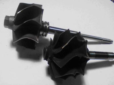 Нарушение геометрии колеса турбины из -за внешнего механического воздействия (попадание постороннего предмета со стороны выпускного коллектора двигателя), как следствие – превышение допустимого дисбаланса ротора турбокомпрессора