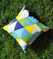 Подушка декоративная 40х40см. Яркие треугольники.