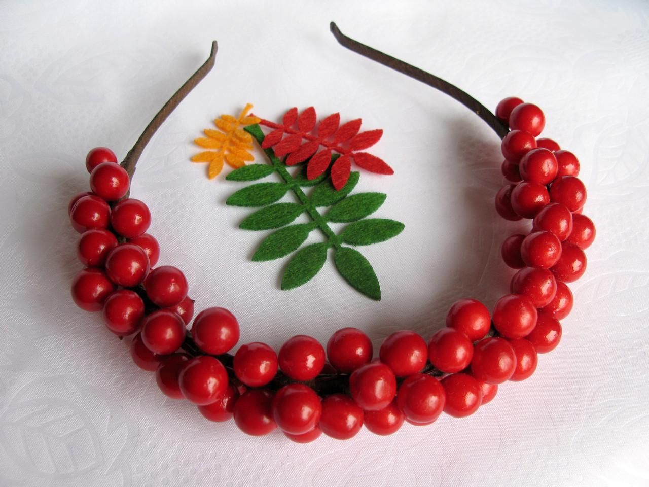 Обруч с гладкими ягодами калины 135 грн