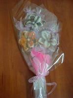 Роскошный букет из конфет к празднику