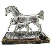 "Фигура ""Серебряные кони"""