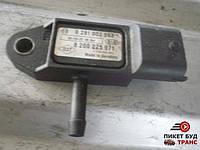 0 281 002 593 Датчик давления наддува турбины на Renault Trafic Opel Vivaro Рено Трафик Опель Виваро 1.9