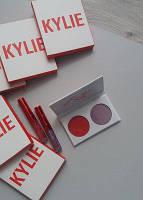 Лимитированный набор KYLIE Kiss Me Mini Kit помады и тени для век