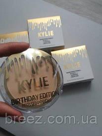 Компактная пудра Kylie Marine Bright Formula Powder