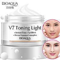 База под макияж с витаминным комплексом Bioaqua V7 toning light