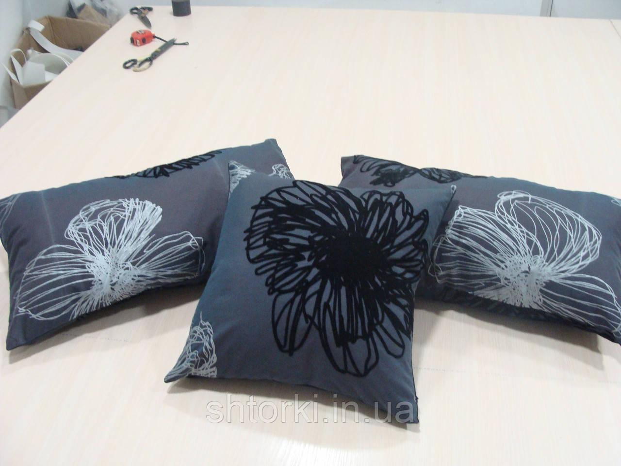 Комплект подушек  3шт серо черные Пионы