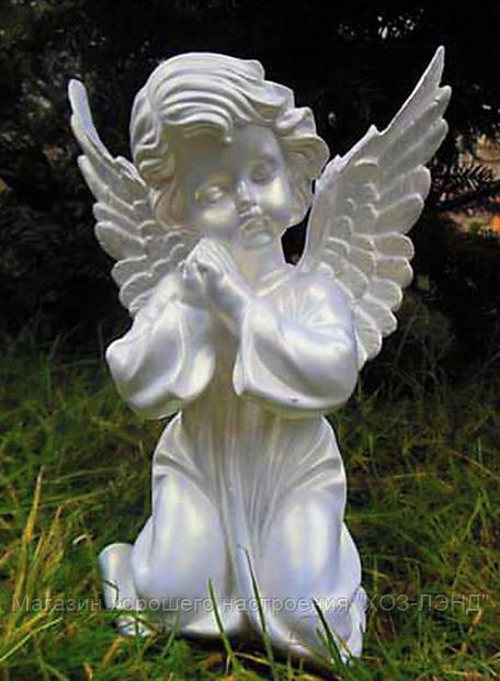 ангел молится