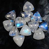 Лунный камень 3,30 карат треугольной формы  от студии LadyStyle.Biz, фото 1