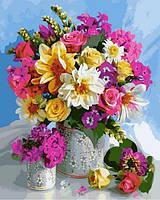 Картина по номерам 40×50 см. Яркие цветы в большой и маленькой вазах