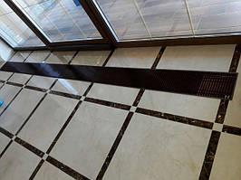 Спасибо, за предоставленные фото, нашему партнеру. Конвекторы внутрипольные установлены в частном доме, в г. Умань. Модель конвекторов Е 230 - естественная конвекция с одним теплообменником. Основная задача прибора - устранить запотевание окон.