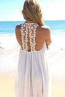Пляжное платье с оригинальной спинкой