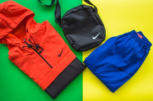 Спортивная одежда, рюкзаки, сумки (парки, куртки, штаны)