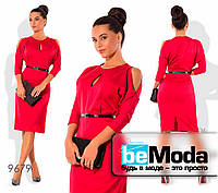 Нарядное женское атласное платье с вырезами на плечах красное
