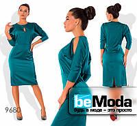 Нарядное женское атласное платье с вырезами на плечах синее
