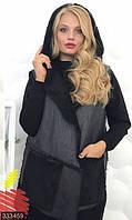 Уютная стильная женская жилетка с накладными карманами и капюшоном экокожа