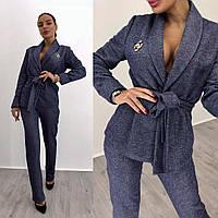 Женский деловой брючный костюм с кардиганом на запах 1410110