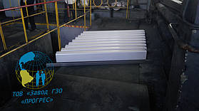 Сборка нижних балок (состоит из 9шт.) для удобства и четкости установки на балках предусмотрены отверстия которыми они устанавливаются на штыри рамы пресса