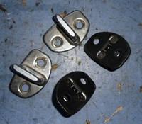 Ответная часть замка двериSkodaOctavia A5 2004-20131z0837033c